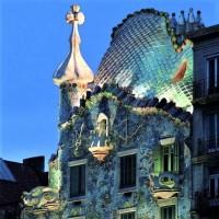 Antoni Gaudi (3)
